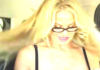 kelly madisons big titties go for a road journey